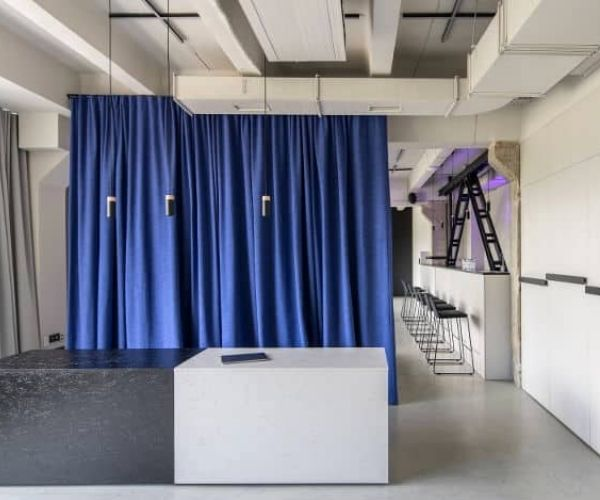 Things-to-consider-when-choosing-a-soundproof-room-divider